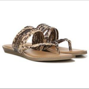 Women's Fergie Shyla Brown Black Sandals 5 US